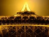 Steven-Antalics-Eiffel-Tower-Paris-street-night-06